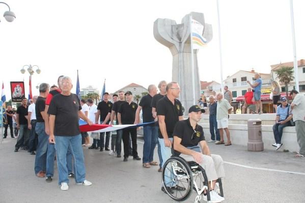 Mimohod branitelja išao je od spomenika palim borcima NOB-a do spomenika palim braniteljima u Domovinskom ratu (Foto/Tris(H. Pavić)