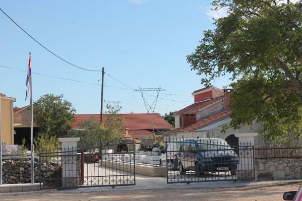 Jedini susjedi pogona kojima bi buka i prašina mogli smetati su Melvan i njegovi roditelji (Foto: Tris/H. Pavić)i