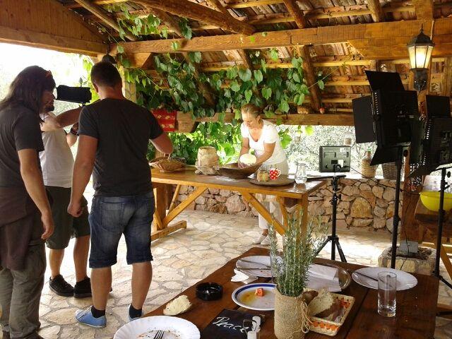 Snimanje spota za akciju #menivrijedno obavljeno je u OPG-u Peace u Brištanima
