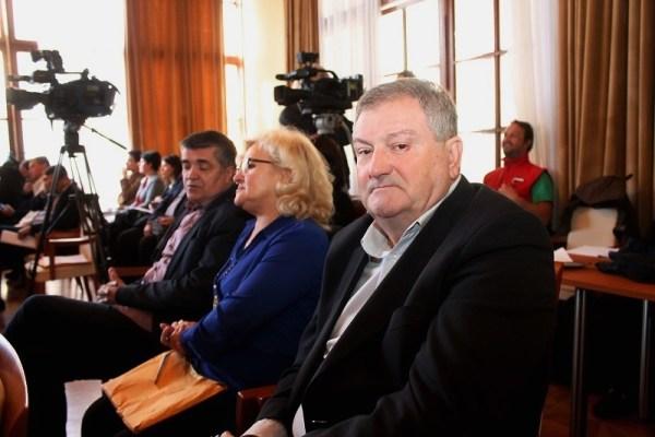 Mirko Rašković u zadnjem redu (Foto: Tris/H. Pavić)