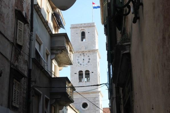 Zvonik crvke sv. Ivana - sat s drniške sahat kule (Foto H. Pavić)