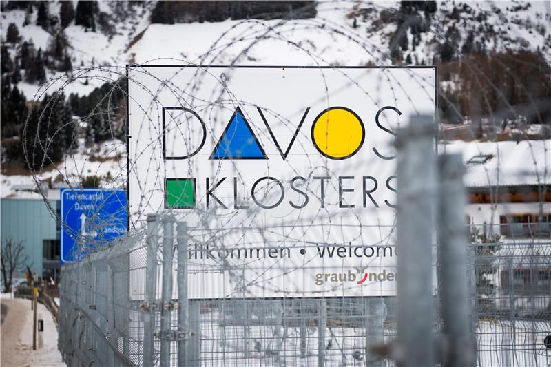Davos - banket u žici (foto HINA)