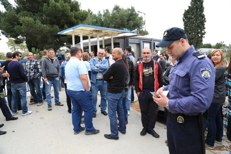 Agonija radnika TLM-a se nastavlja: Prosvjedovali radnici presaonica