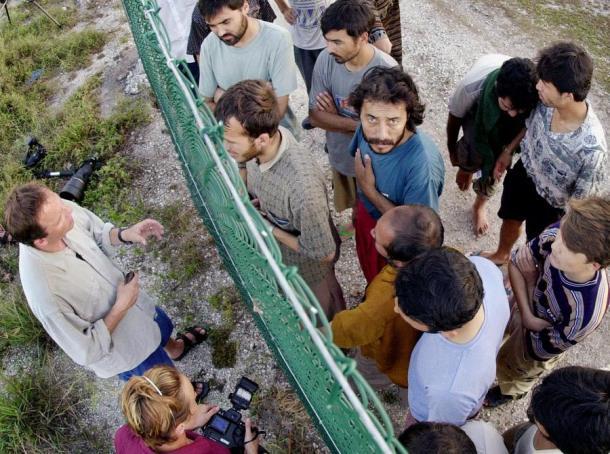 Nauru logor - ograda između novinara i novinara (foto blogs.voanews.com)