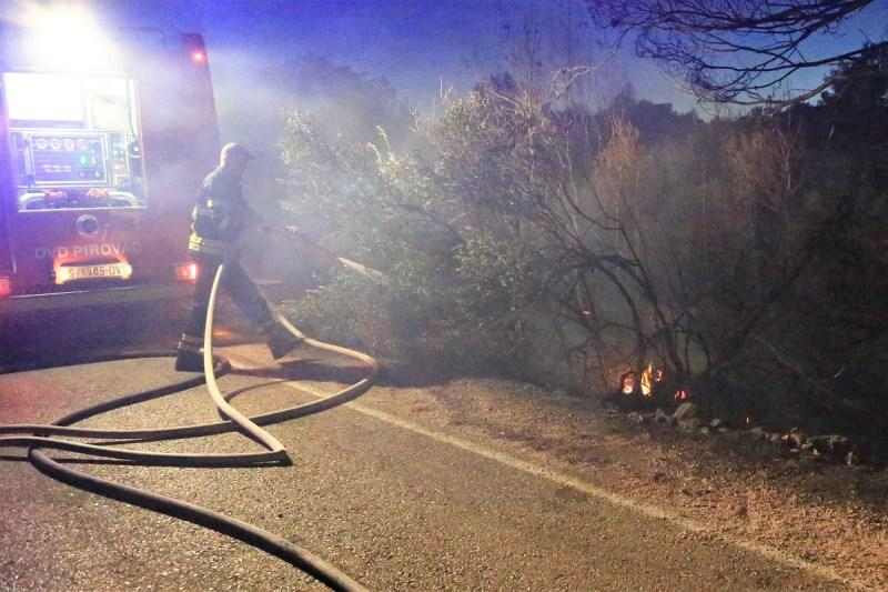 PU šibensko-kninska privela više osumnjičenih za izazivanje požara: Od maloljetnika do 75-godišnje žene