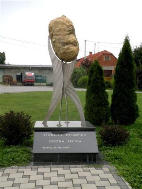 Spomenik krumpiru u Belici (foto www.belice.hr)