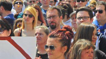 Tomašević među prosvjednicima 1. sbibnja na Jelačić placu(foto TRIS/G. Šimac)