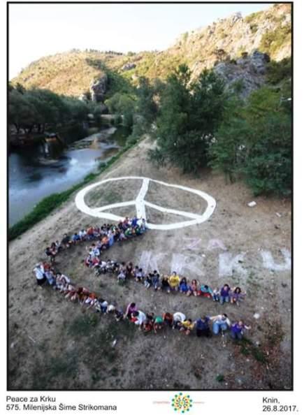 'Peace za Krku' - još jedna u nizu 'milenijskih fotografij' Šime Strikomana (foto Facebook Eko udruga Krka Knin/Šime Strikoman)