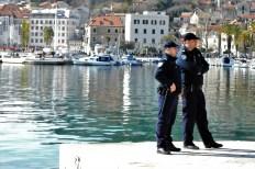 Policija prati skup - foto TRIS/G. Šimac