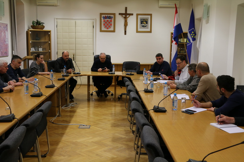 'Hitni' sastanak u Slavonskom Brodu (foto Grad Slavonski Brod)