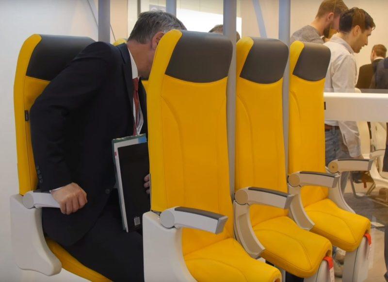 Nova stajala za stajanje u avionima - foto printscreen Youtube