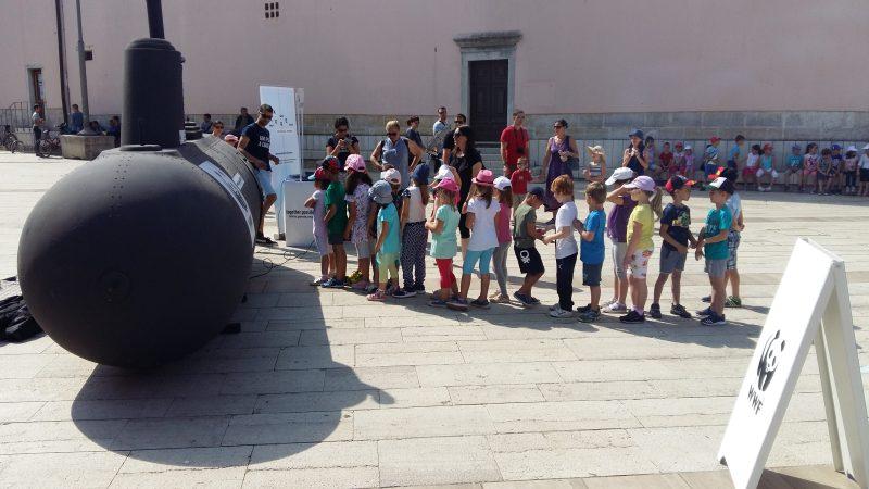 Nasukala se podmornica koja valjda ne prikazuje budućnost: Mora se prazne, hoće li i Jadran biti prazan?