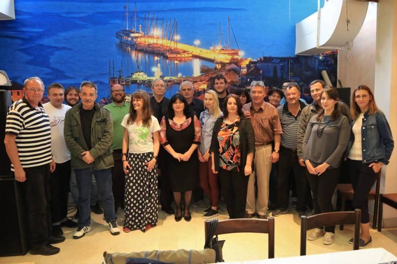 Jedna skupna fotografija s lanjskih međunarodnih susreta na otoku