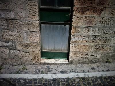 Kako izaći iz kuće preko 'pune crte'? (foto TRIS)