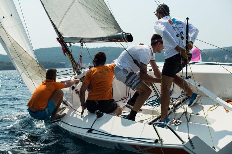 Valova posada na moru ispred Tivta (Foto: Porto Montenegro Yacht Club)