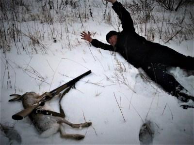 Ilustracija: Zec i lovac u obrnutim ulogama