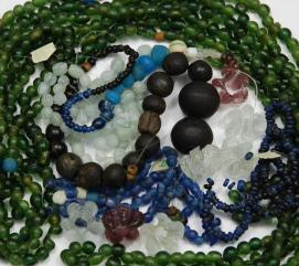 15. Pličina Mijoka. Staklene perle (R. Mosković)