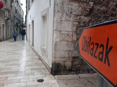 Koliko su poticajne najavljene mjere šibenske gradske uprave za poduzetnike u staroj gradskoj jezgri?: Pomoć je zanemariva u odnosu na izgubljeni promet otkada traju radovi na Poljani