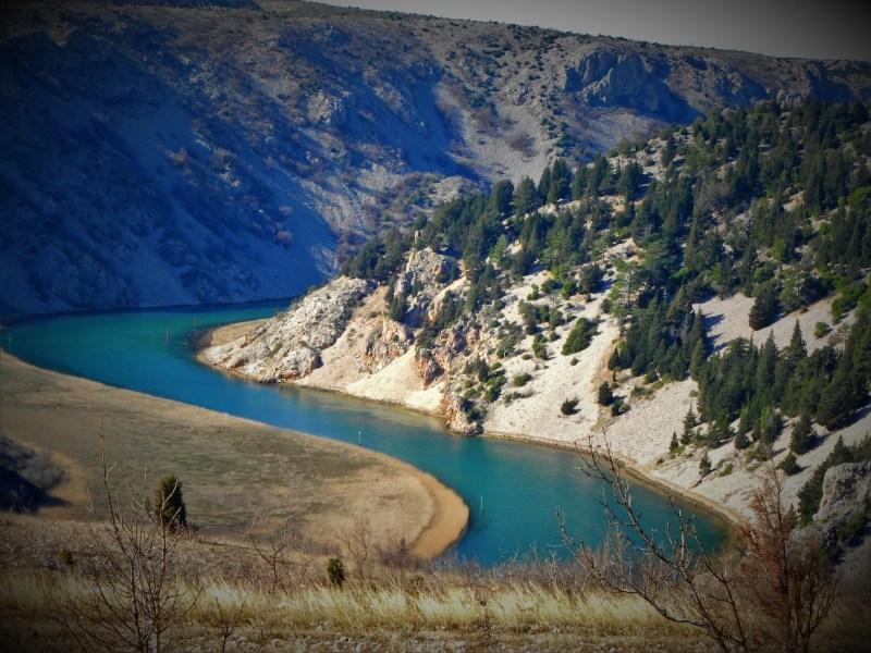 Kanjon Zrmanje stotinjak metara od toskičnih bazena (foto TRIS/G. Šimac)