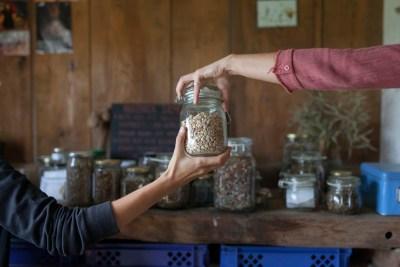 Ja tebi, ti meni... razmjena sjemenja (foto ZMAG)