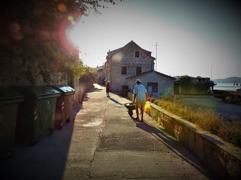 Arhiva: Prvić ujutro (foto TRIS/G. Šimac)