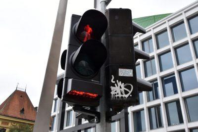 Foto: Novi semafor opremljen horizontalnom signalizaciju