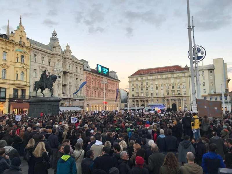 21.643 prosvjednika protiv Bandića: Oj, Milane, korumpiran mio, jesi l skoro u zatvoru bio?