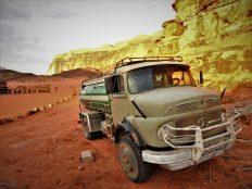 Kamion za vodu (foto TRIS/G. ŠIMAC)