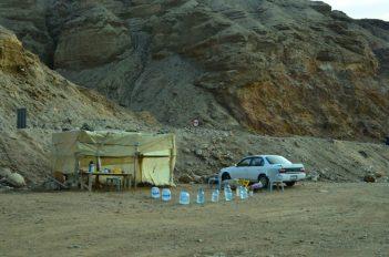 Štand prodavača vode za ispiranje soli (foto J. Gracin)