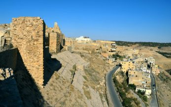Križarska utvrda Karak dominira nad gradom (foto J. Gracin)
