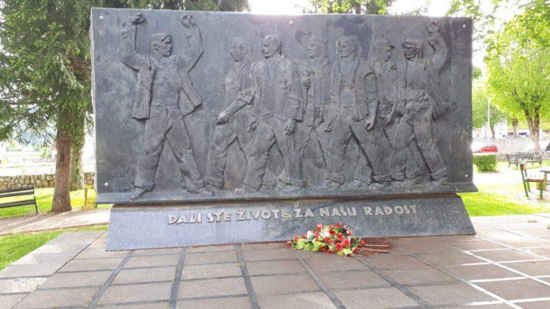Spomenik u Perušiću kojem spremaju premještaj (foto: Mještani Perušića)