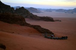 Beduinski kampovi u pustinji Wadi Rum. (foto Joso Gracin)