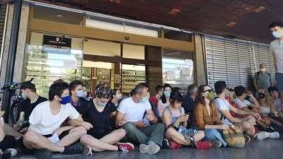 Današnji prosvjed pred uilazom u FF u ZG (foto N1)
