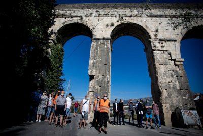 07.09.2020., Split - Mirni prosvjed za zastitu Dioklecijanova akvedukta Photo: Milan Sabic/PIXSELL