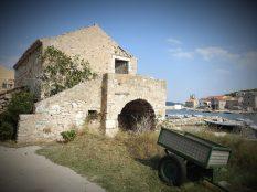 Kuća pored mora, i prikolica..(foto TRIS/G. Šimac)