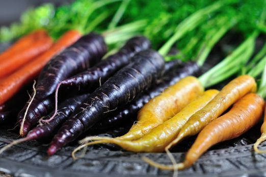 coloredcarrots.jpg