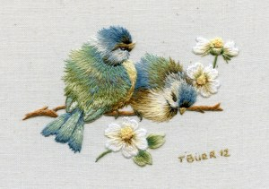 Miniature bluebirds & Daisies