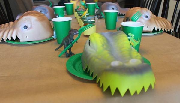 www.athomewithsweett.com dino-party