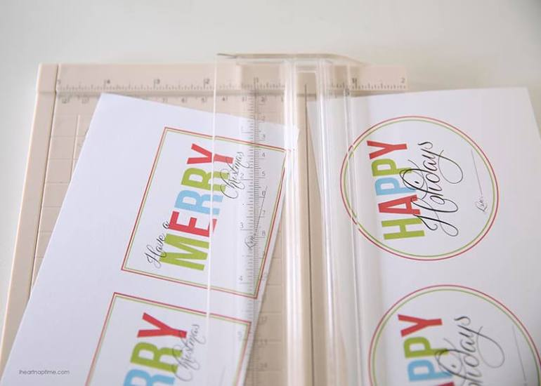Free Printable Christmas Gift Tags by I Heart Naptime