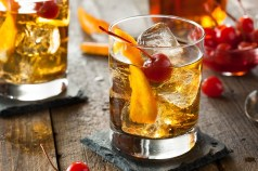 The Autumn Fruit Old-Fashioned thanksgiving cocktails