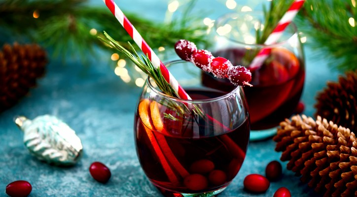 Impress Your Guests with These Holiday Drinks