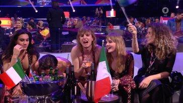 Secondo i francesi Damiano dei Maneskin avrebbe pippato cocaina all'Eurovision, la sua risposta