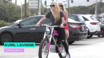 """Avril Lavigne """"Torna in sella"""""""