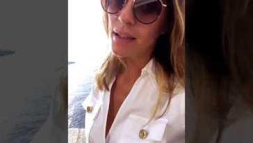 Elisa Isoardi beve il caffè e poi si va in montagna dalla mamma #isola