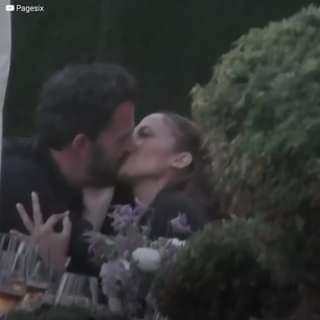 """""""Finalmente! Bennifer è ufficiale!"""". La relazione tra JLo e Ben Affleck è stata confermata…"""
