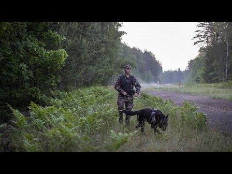 I migranti di Minsk. La Bielorussia allenta i controlli alle frontiere dopo le sanzioni dell'Ue