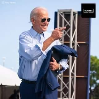 Il presidente Joe Biden di 78 anni appariva confuso nel bel mezzo delle risate mentre i su…