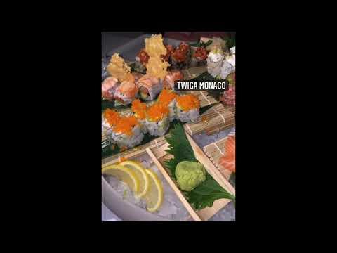 Flavio Briatore il tempo di una gita in barca, sushi e poi riparte in aereo #flaviobriatore