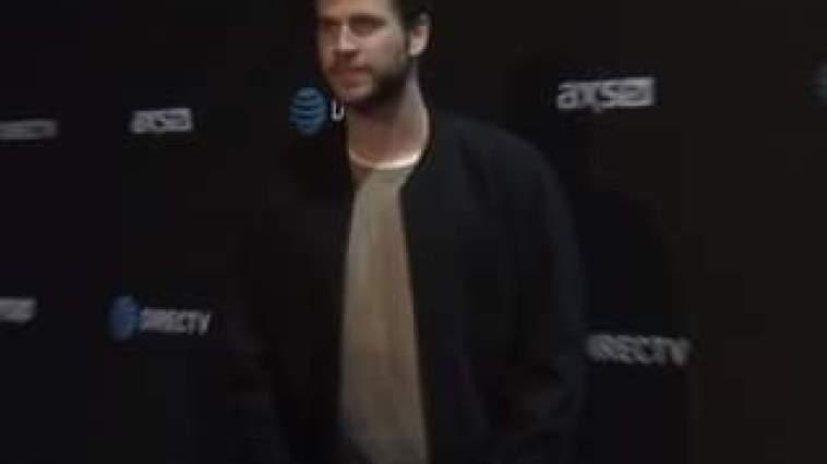 Liam Hemsworth ha ufficialmente chiuso la storia con Miley Cyrus e la sua nuova partner è …