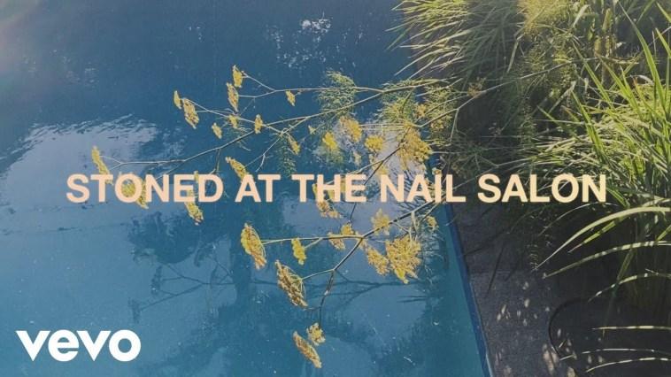 Lorde – Stoned at the Nail Salon (Visualiser)